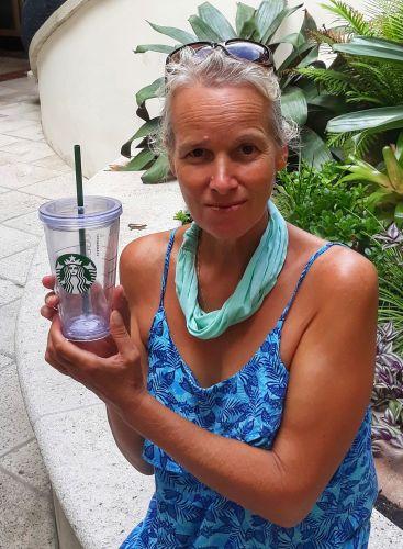 Ein Starbucks-Becher für Lena