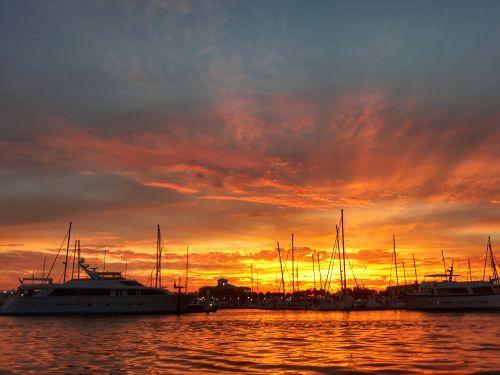 Sonnenuntergang über Riviera Beach
