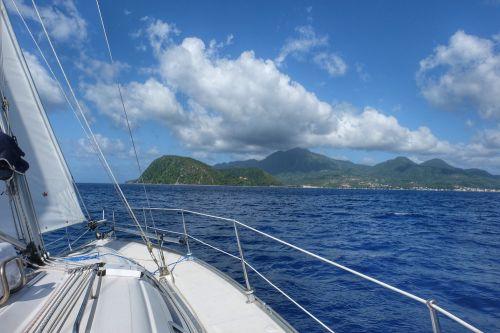 Anfahrt auf Portsmouth im Nordwesten Dominicas