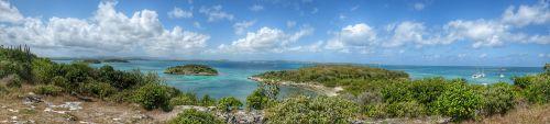 Blick von Great Bird Island über die kleineren vorgelagerten Inseln