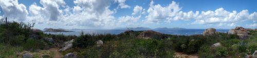 Links die kleinen Inseln südlich von Virgin Gorda, in der Mitte Blick auf Tortola
