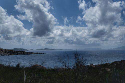 Blick nach Süden, rechts erahnt auch bereits die U.S. Virgin Island
