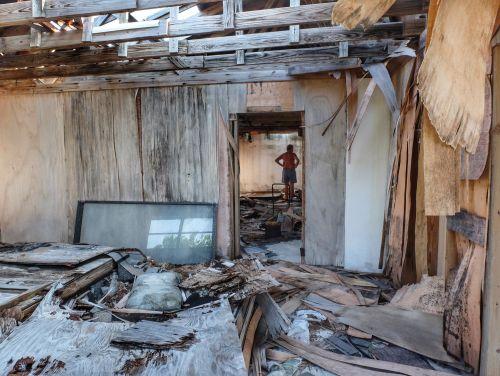 Der Versuch, hier ein Ferien-Resort zu errichten, endete in verfallenen Bauruinen
