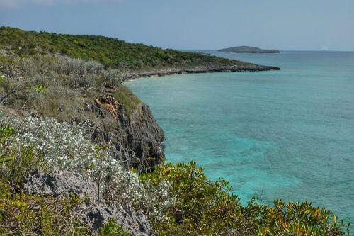 Blick an der Westküste nach Süden, im Hintergrund Brig Cay