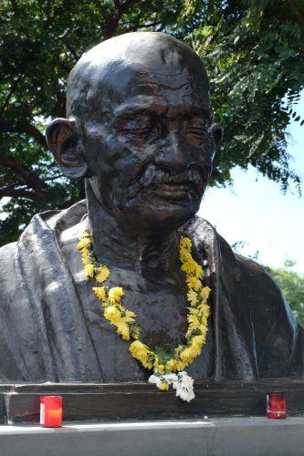 Gandhi kam 1906 auf seiner Reise von London nach Süd Afrika nach Funchal