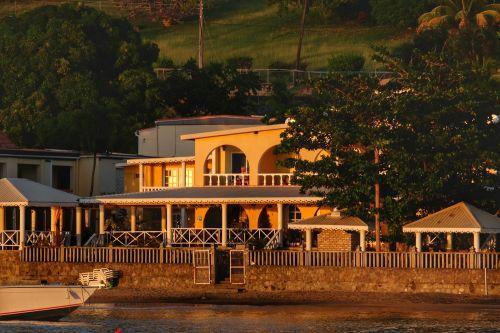 Reinhard auf seinem Balkon im Paradise Beach Hotel