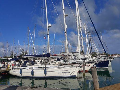 In der Jolly Harbour Marina